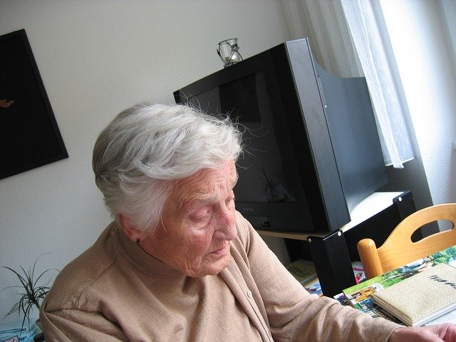 starsza pani